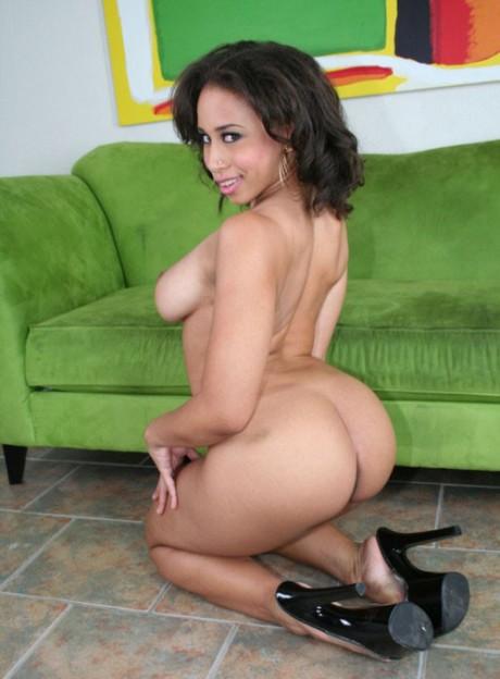 Lesbian housemaid seduced